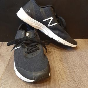 New Balance 711 size 7 mens Navy shoes trainers